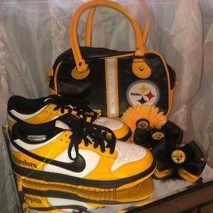 Steeler Nike! Size 8!